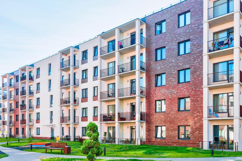 Welche Fenster sollte ich wählen, die für einen Wohnblock geeignet sind?