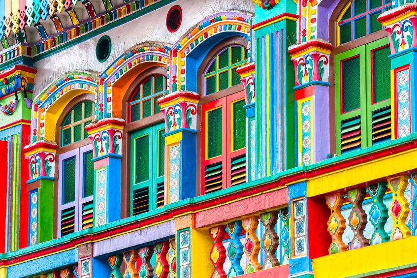 Wie wählt man die Fensterfarbe passend zur Fassade?